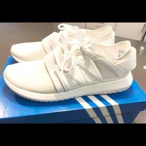 ♥️ NEW! Adidas Tubular Viral Shoes Women's Size 8
